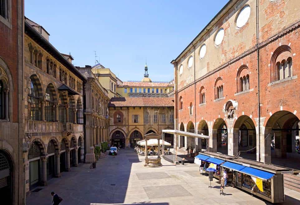 Piazza Mercanti Milan