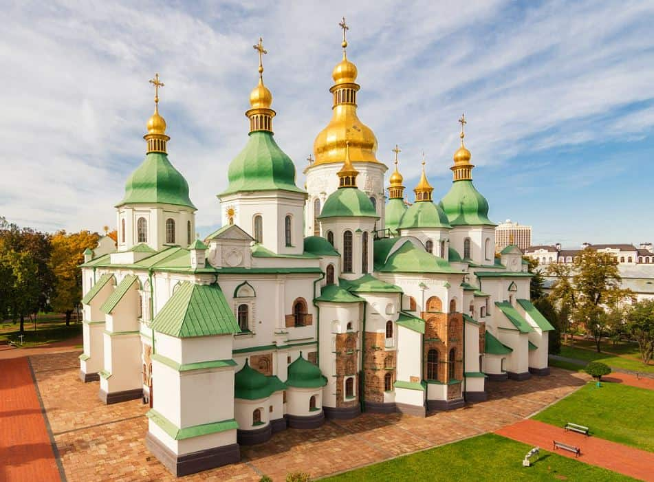 8 BEST Things To Do In Ukraine