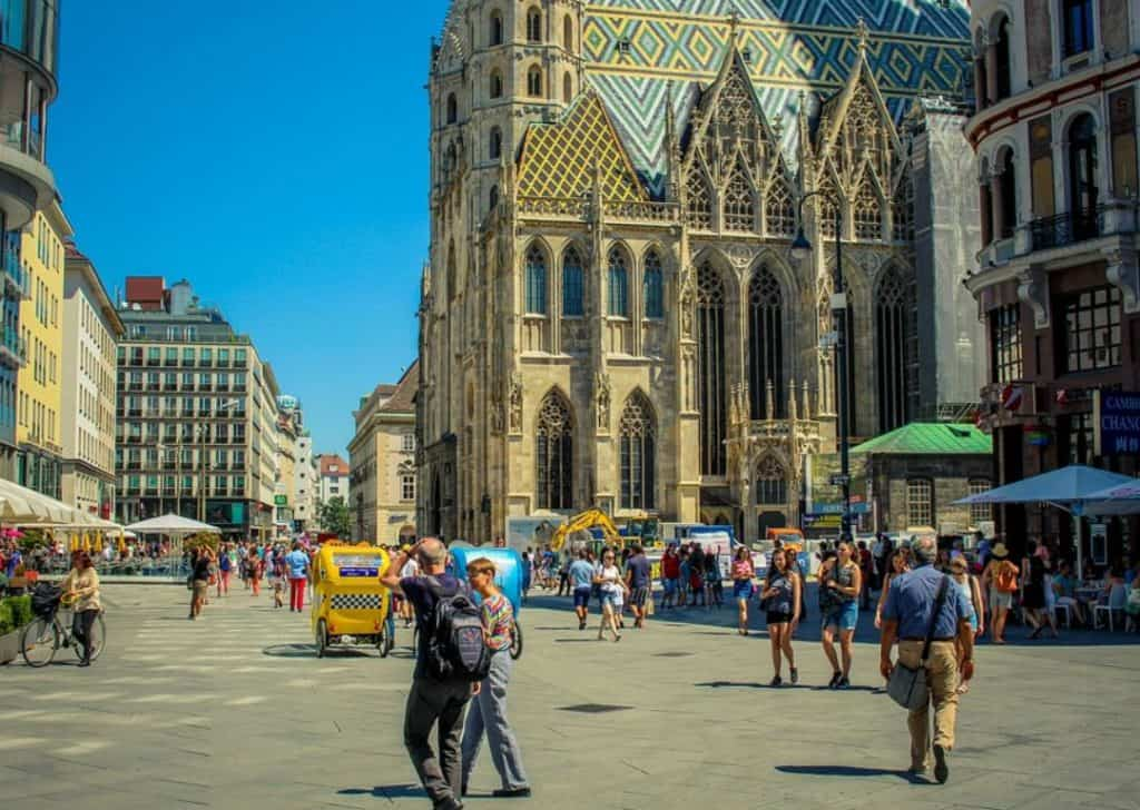 St stephens cathedral from street level